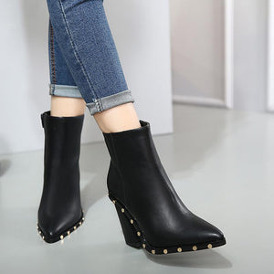 Hot Pointed Toe PU Leather Chunky Heels Ankle Boots verkadi.com