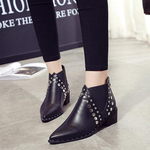 Hot New Pointed Toe Rivets Casual Style Ankle Boots Verkadi.com