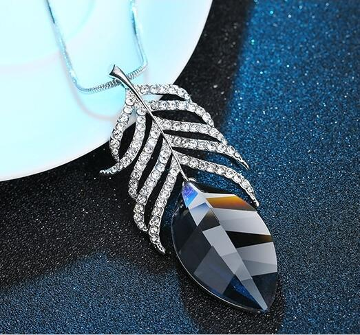 Elegant Feather Crystal Collier Geometric Pendant Verkadi.com