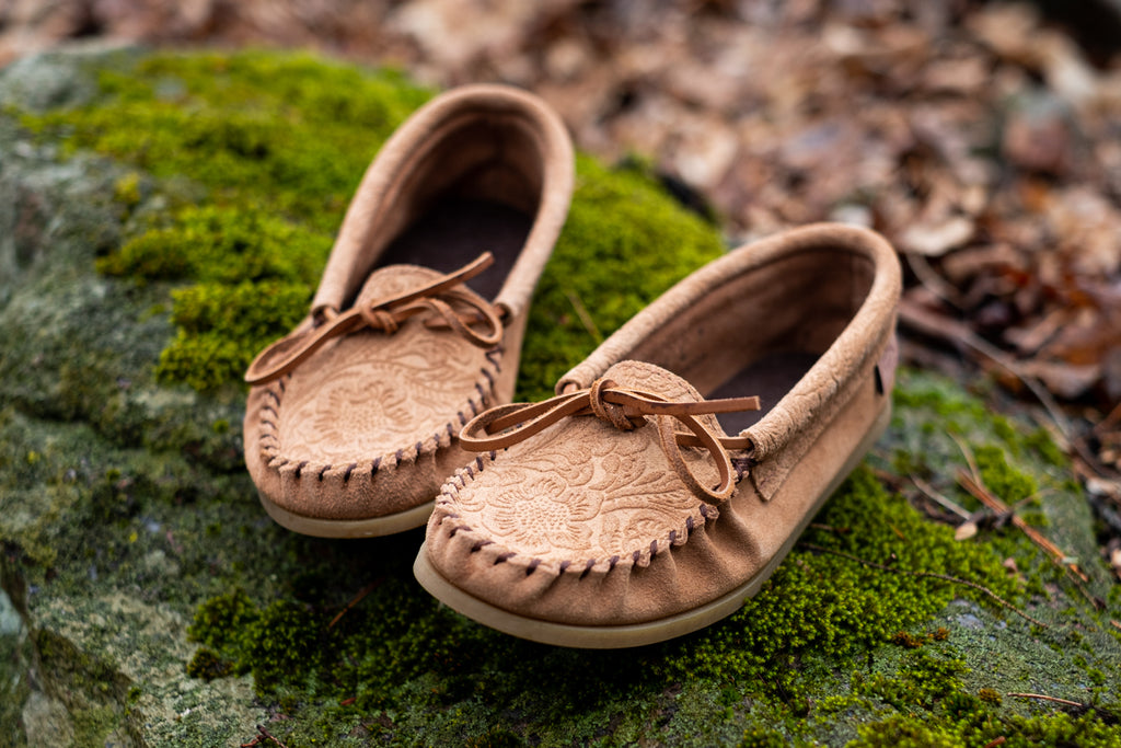 moccasin shoes floral embossed laurentian chief
