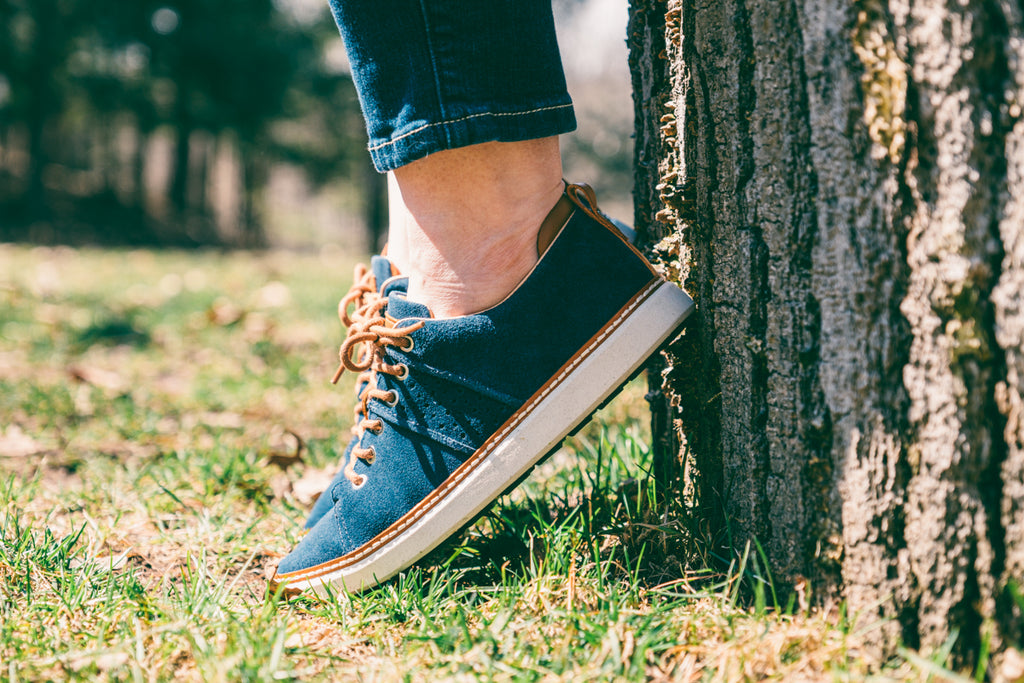 casual style women's blue suede walking shoes