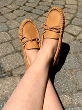 Women's Wide Leather Moccasins