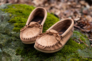Women's Floral Embossed Suede Moccasin Shoes