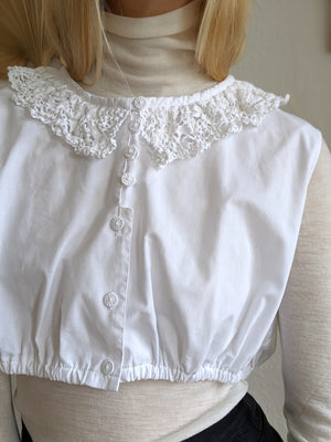 Crop Top With Lace Collar