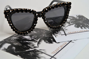 BACKSTAGE PASS SUNNIES