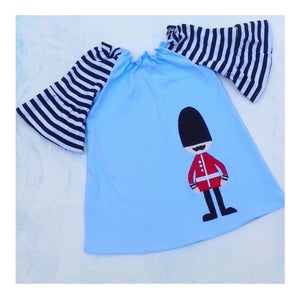Queens Guard 3/4 sleeve dress