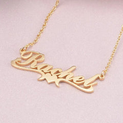 18k Gold Heart Necklace in Middle With Name - Silviax