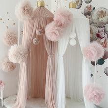Load image into Gallery viewer, Spinkie Large Pom Garland - Champagne