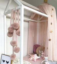 Load image into Gallery viewer, Spinkie Pom Garland - Champagne - 4 weeks delivery