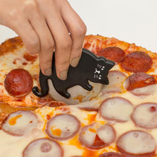 Load image into Gallery viewer, KIKKERLAND Cat Lovers Pizza Cutter