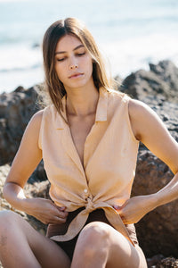 the blouse / sand