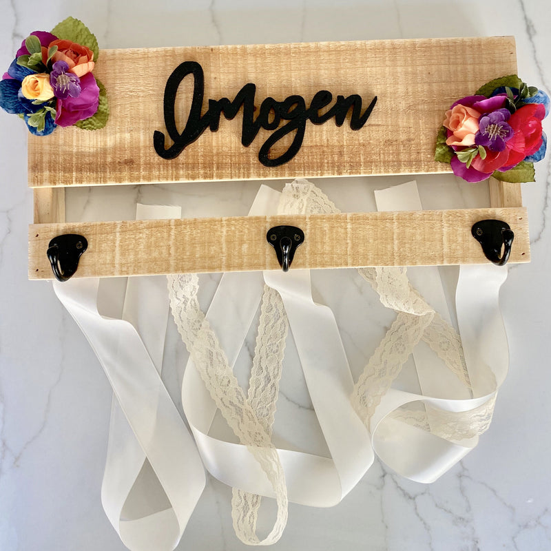 Custom Bow Holder Headband Holder Name Sign, Personalized Bow, Bow Holder with Flowers, Baby Shower Gift Girl, Girl Nursery Wall Decor