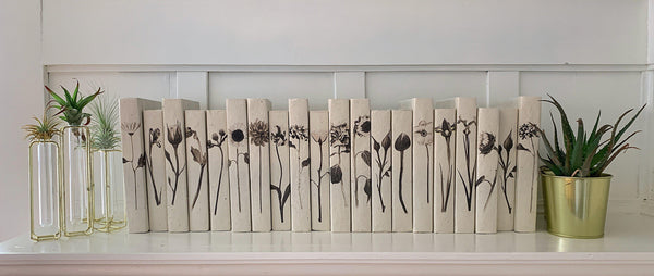 Delicate Flowers decorative book set
