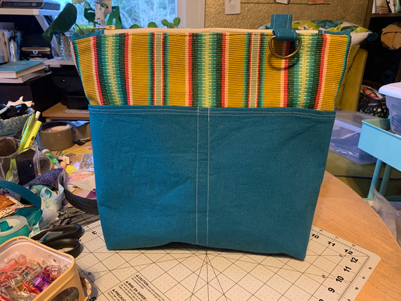 Custom knitting/crochet zipper pouch