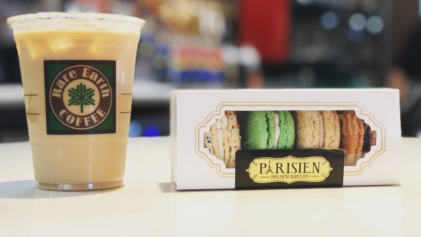 Vanilla latte macaroons macrons french pastry specialty coffee