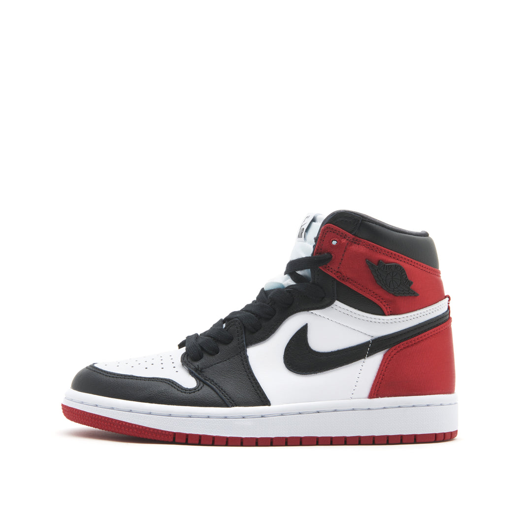 Jordan 1 Retro High </br> Satin Black Toe (W)