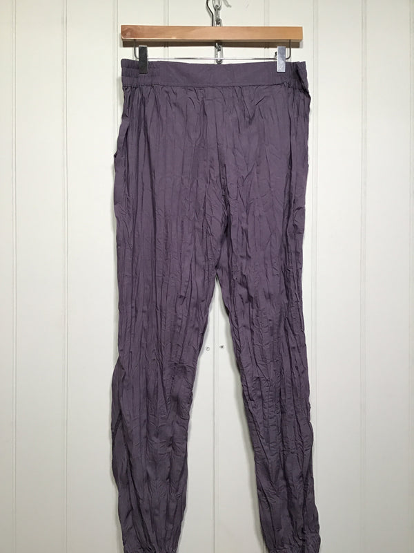 Women's Crinkle Summer Trousers (Size M)