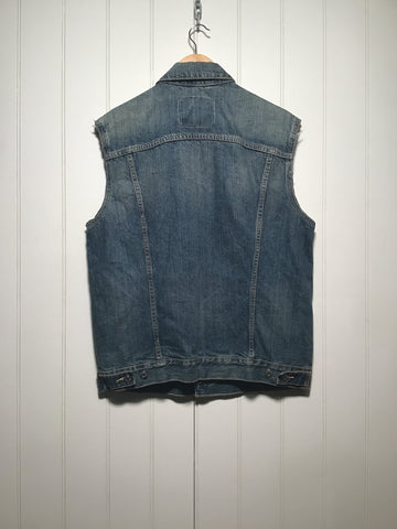 Levi's Puerto Rico Sleeveless Denim Jacket (Size L)