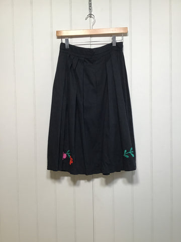 "Floral Embroidered Pleated Cotton Skirt (Waist 26"")"