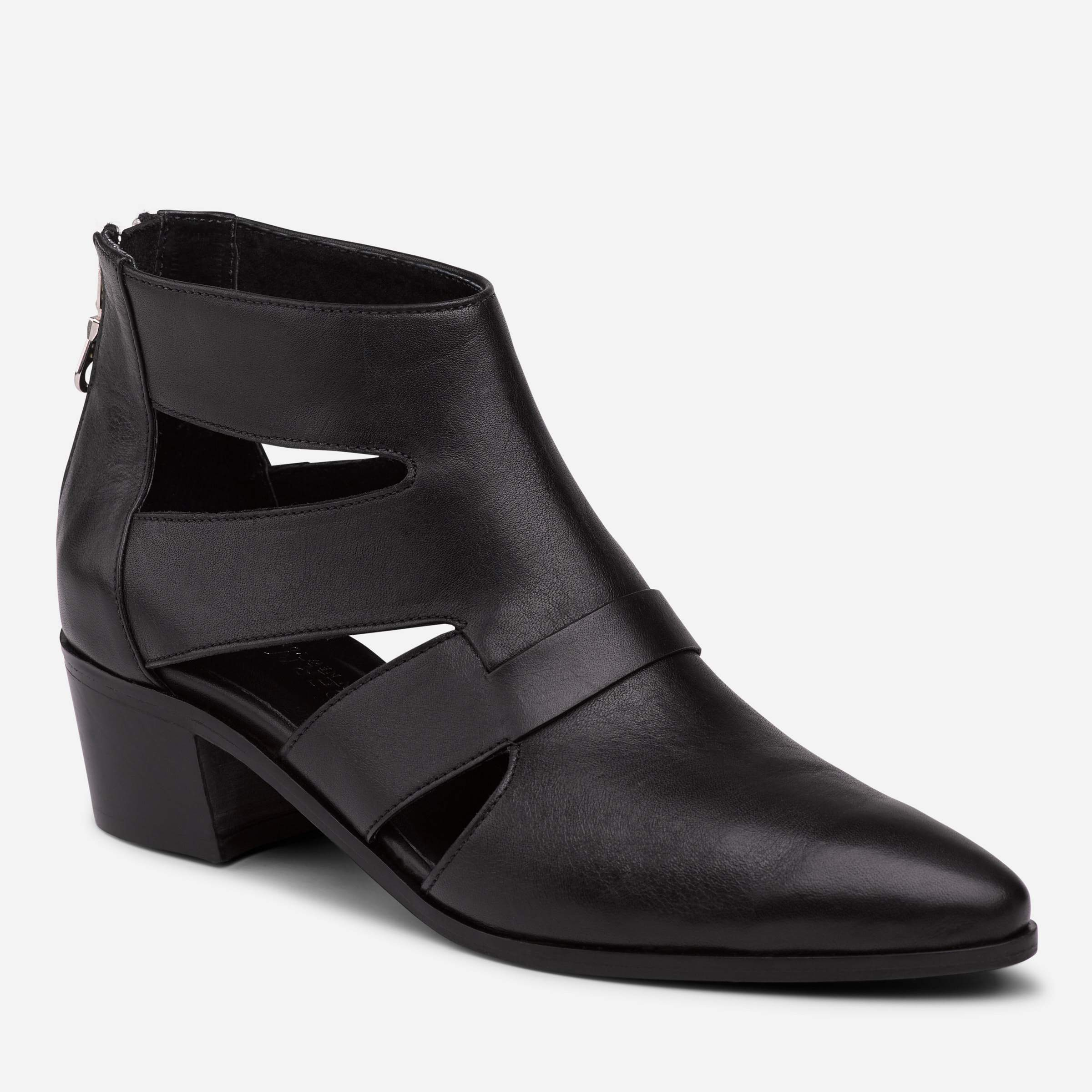 SMITH CUT OUT LOW BOOTIE