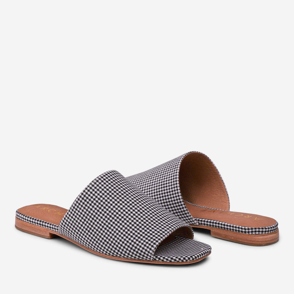 ARCHIVE BEACH SANDAL