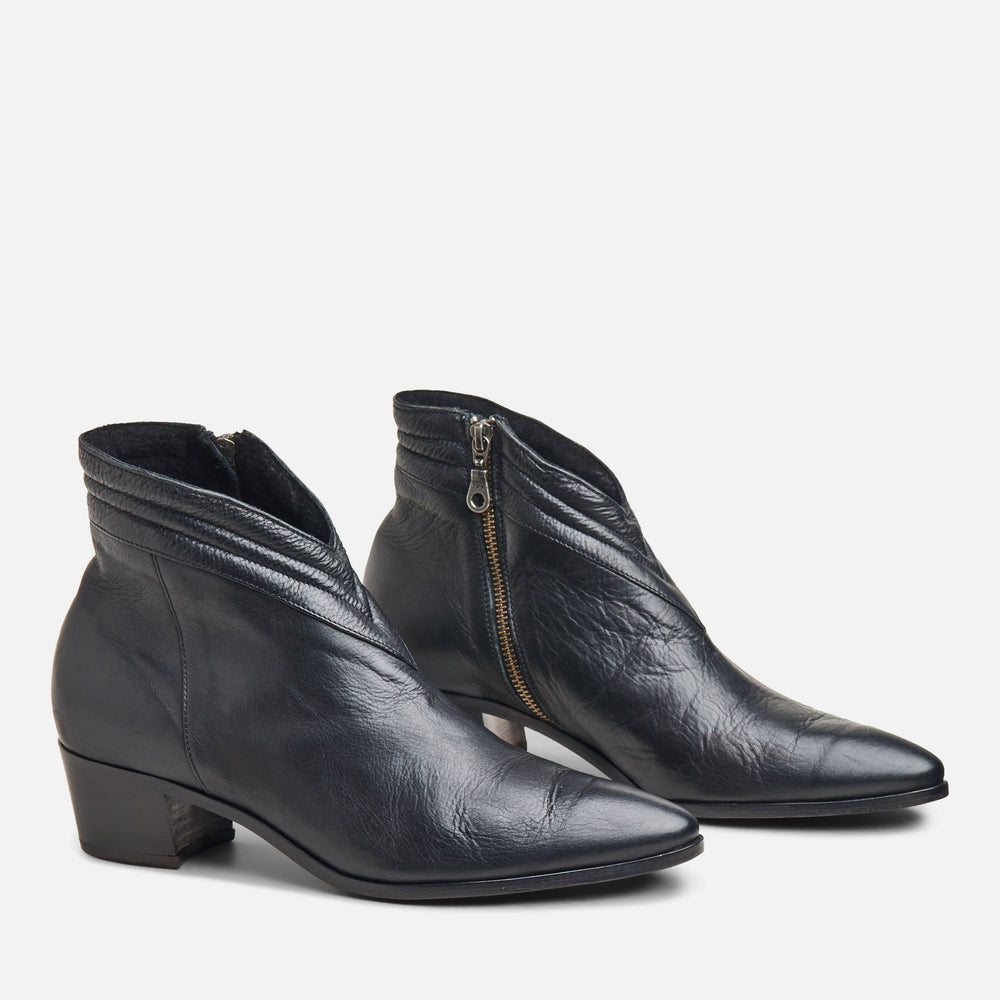 DONNA CHELSEA BOOT