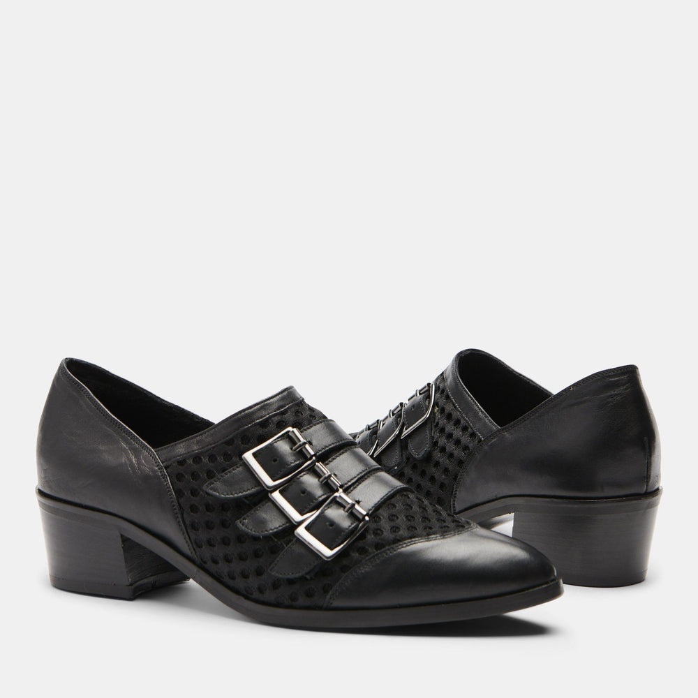 BILLIE 3-BUCKLE SHOE