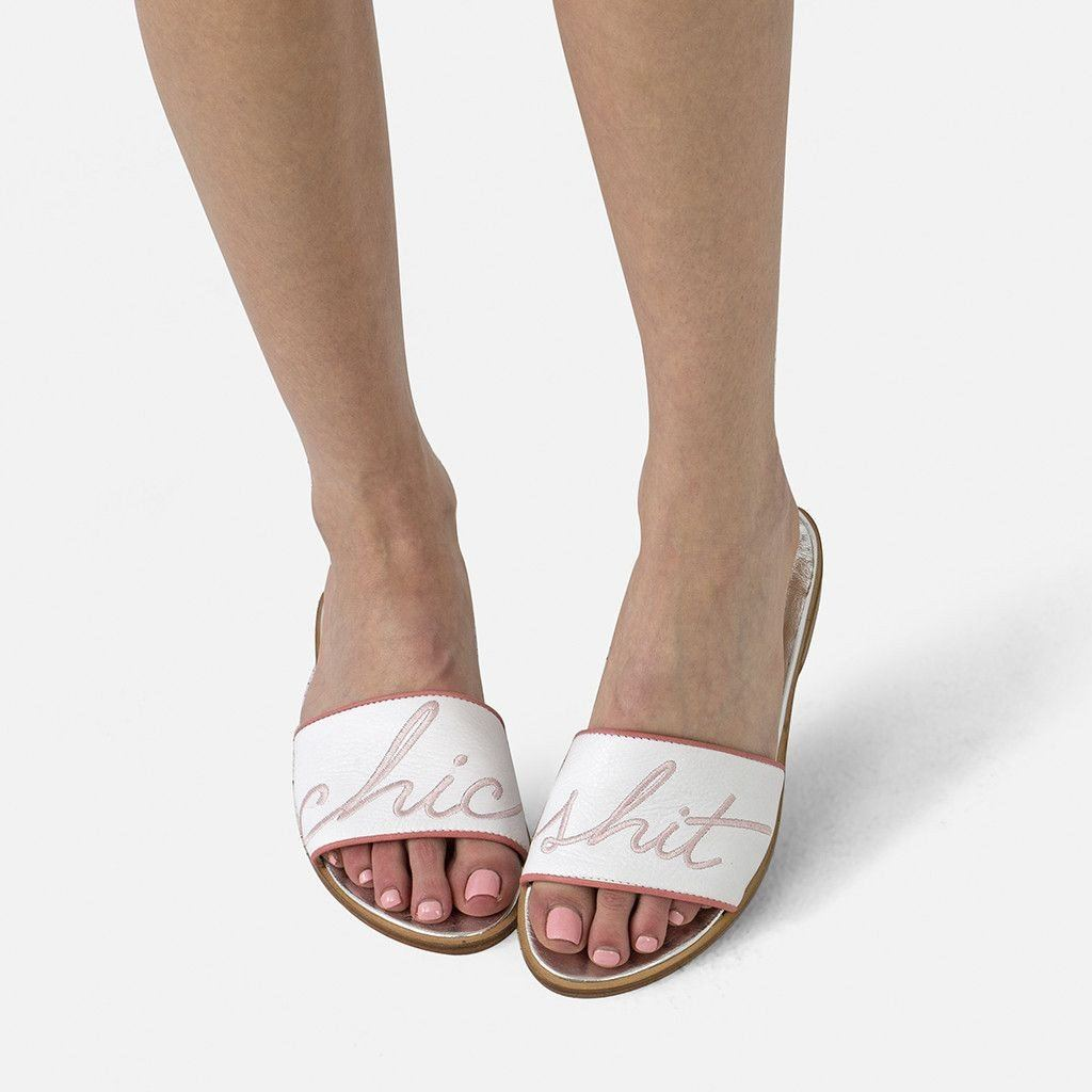 WHITE CHIC SHIT SANDAL