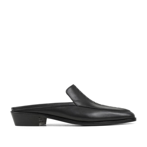 CHIC SHIT LOAFER