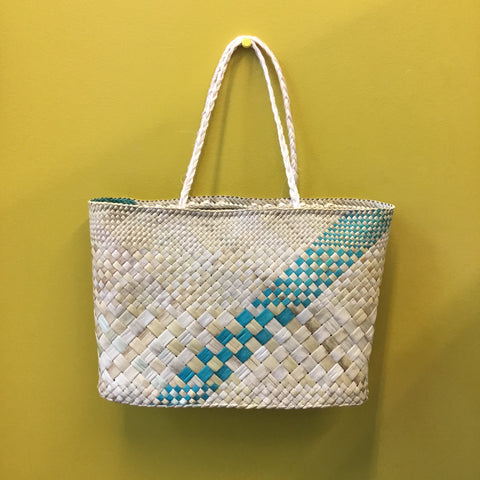 Kete Whakairo - Natural Undyed with Turquoise (split twice)