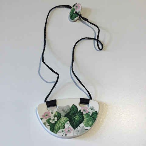 Recycled China Pendant (Crown Lynn, Ivy)