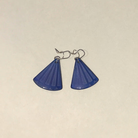 Fantail Tail Glass Earrings (dark blue)