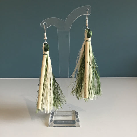 Muka earrings - White and Green
