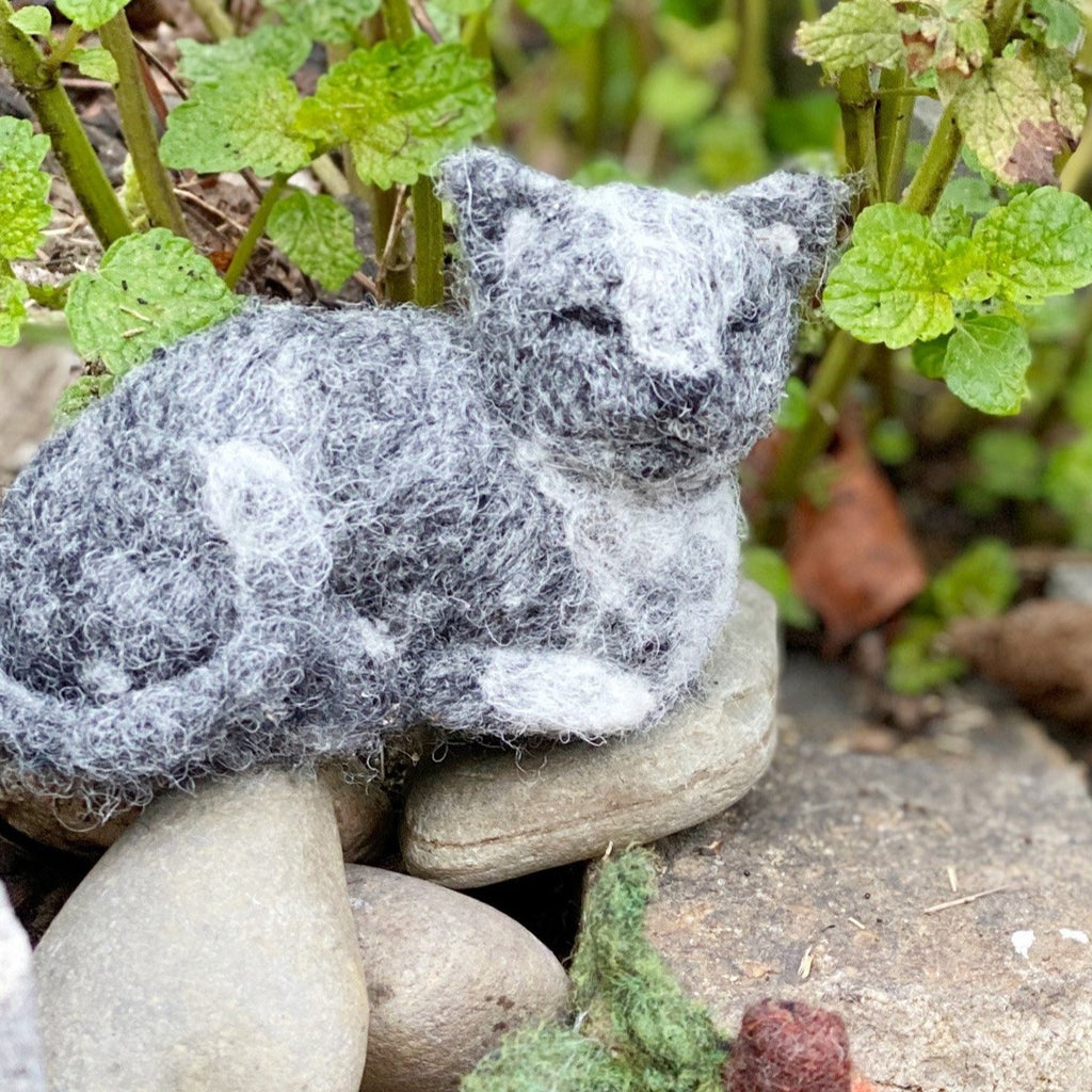 - ONLINE CLASS - Needle Felted CAT with Jennifer McCarthy (10/10)