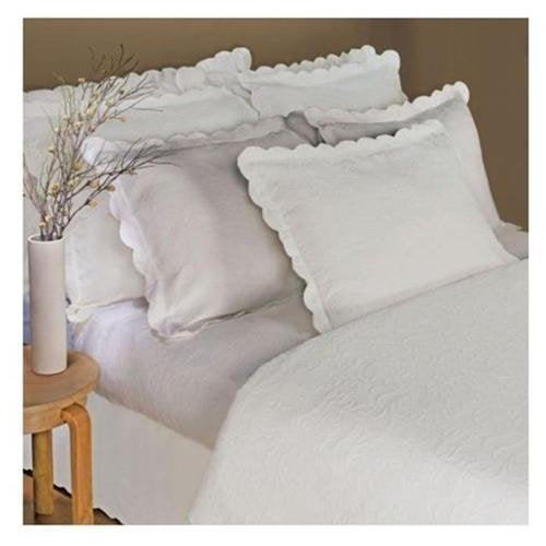 Linea Casa by Sferra Matelasse 3-pc Scalloped Full / Queen Coverlet Set, Ivory