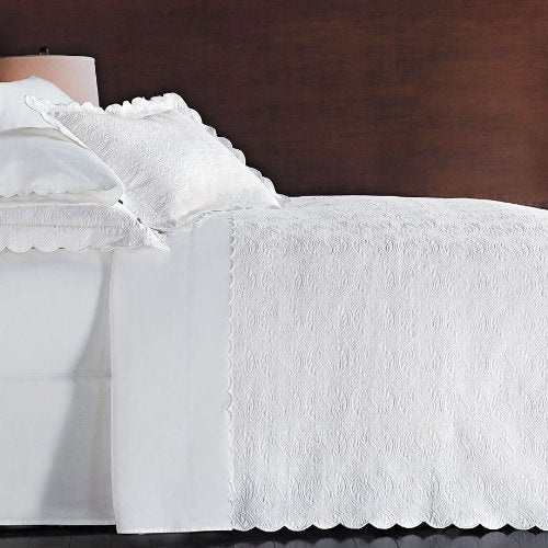 Peacock Alley Vienna Matelasse Scalloped 3-piece Queen Coverlet Set, White