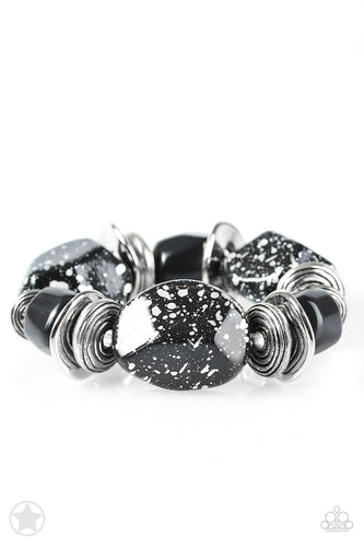 Paparazzi  Blockbuster Bracelet  - Glaze of Glory - Black