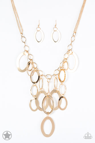 Paparazzi Blockbuster Necklace  - A Golden Spell