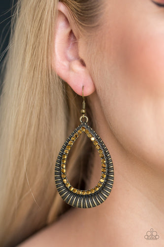 Paparazzi  Earrings  - Right As REIGN - Brass
