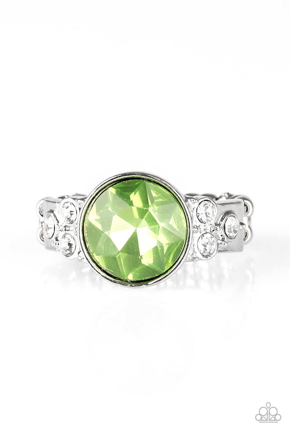 Paparazzi Ring  - Poshly Pampered - Green