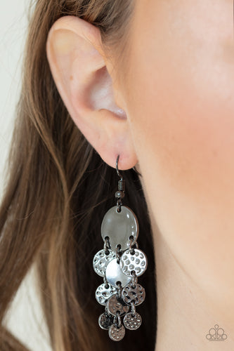 Paparazzi Earring  - Do Chime In - Black