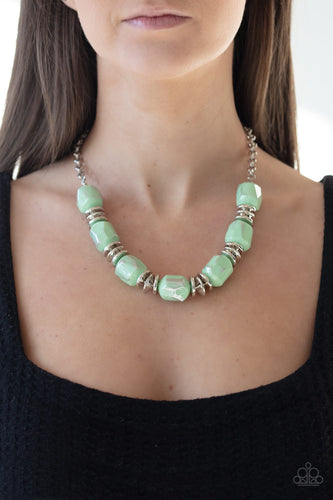 Paparazzi Necklace  - Girl grit - Green