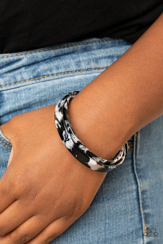 Paparazzi Bracelet - In The HAUTE Zone - Black - New Release