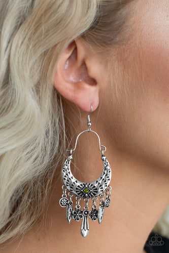 Paparazzi Earring  - Nature Escape - Green