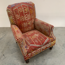 Load image into Gallery viewer, Vintage  Armchair