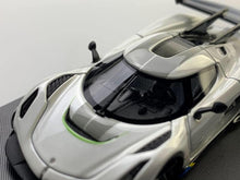 Load image into Gallery viewer, (Pre order) FrontiArt 1:64 Koenigsegg Jesko Pearl White resin model