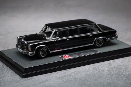 (Pre Order) 1/64 Mercedes-Benz 600 Pullman Black with Black interior