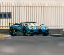 Load image into Gallery viewer, Tarmac Works 1:64 Koenigsegg Agera RS Blue