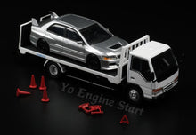 Load image into Gallery viewer, Y.E.S. 1/64 Isuzu Flatbed Tow Truck with accessories