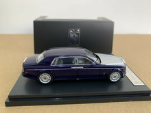 Load image into Gallery viewer, 1:64 Rolls Royce Phantom Phantom VII Royal Blue/Silver Extended Wheel Base Diecast model
